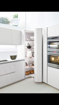 Corner pantry